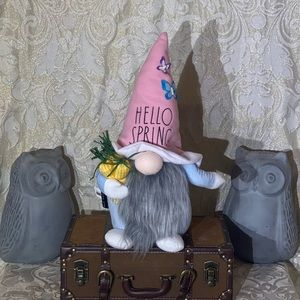 """Rae Dunn """"HELLO SPRING"""" Gnome"""